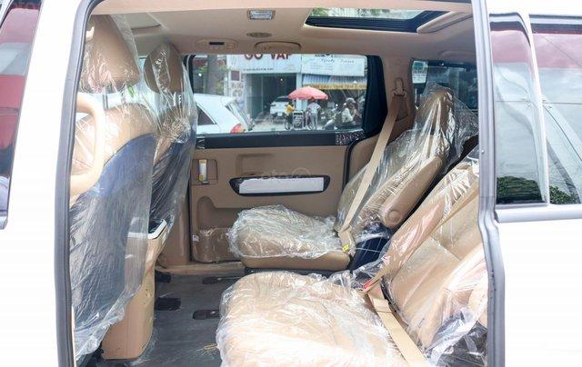 Kia Sedona máy dầu Deluxe ưu đãi giá ngay 40tr + tặng phụ kiện, bảo hành 3 năm, đưa trước chỉ 350tr7
