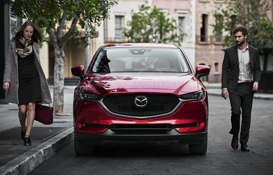 Xả hàng cuối năm chiếc xe Mazda CX 5  New Deluxe đời 2019, màu đỏ0