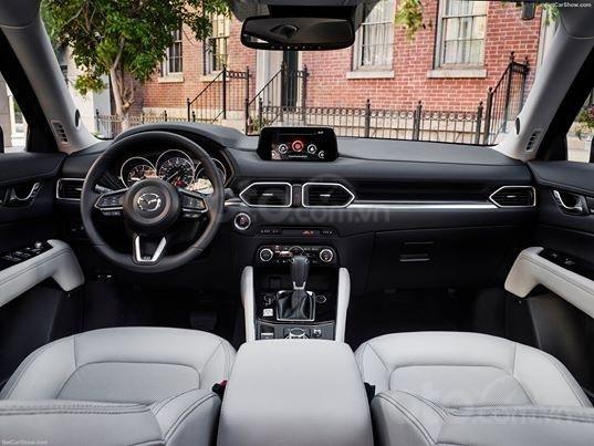 Xả hàng cuối năm chiếc xe Mazda CX 5  New Deluxe đời 2019, màu đỏ3