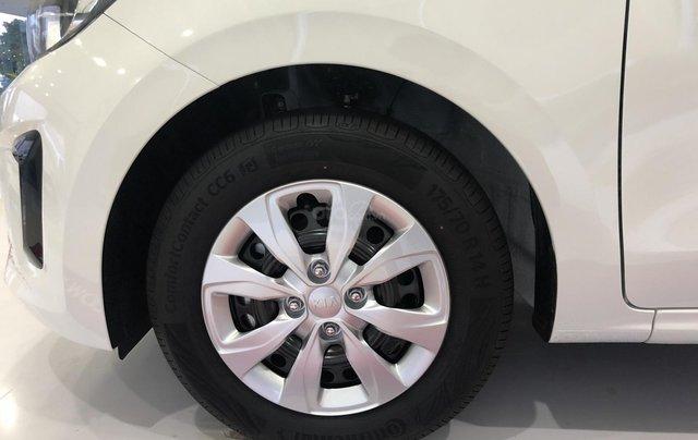 Xe mới, bán xe Kia Soluto số sàn 2019 trả trước chỉ từ 123 triệu là có xe, Hotline: Tâm 09388056355