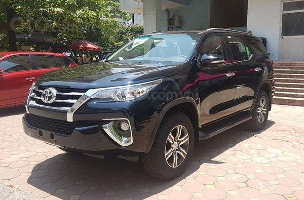 Cần bán Toyota Fortuner 2.7 AT năm sản xuất 2020, màu ánh đen, nhập khẩu nguyên chiếc