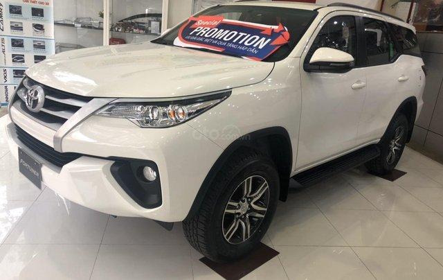 Toyota Bến Thành - Xả hàng cuối năm chiếc xe Toyota Fortuner đời 2019, màu trắng 1