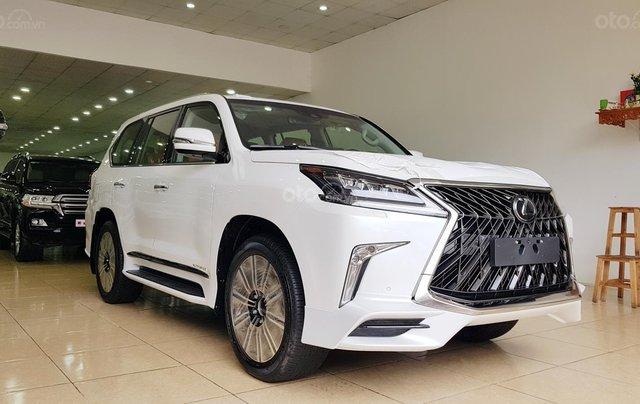 Dòng xe hạng sang Lexus LX 570S Super Sport sản xuất 2019, màu trắng, xe nhập