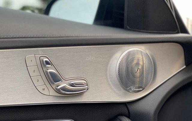 Cần bán Mercedes C300 sản xuất 2016 màu đen6