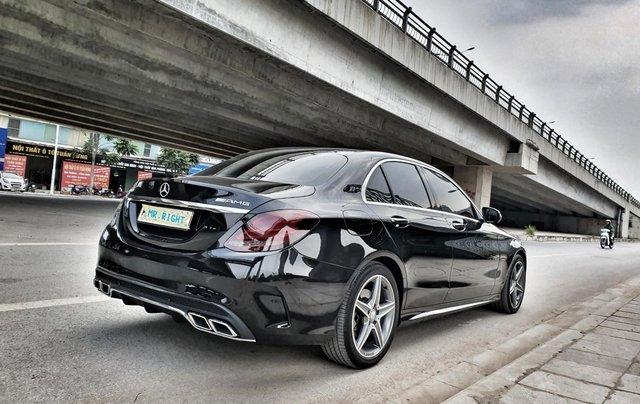 Cần bán Mercedes C300 sản xuất 2016 màu đen4