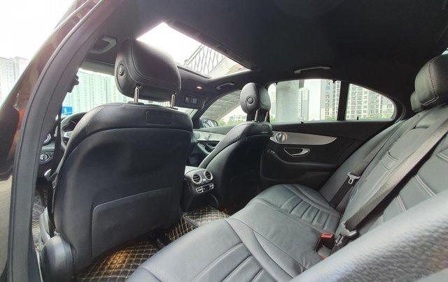 Cần bán Mercedes C300 sản xuất 2016 màu đen9
