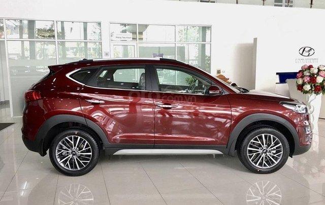 Hyundai Hà Đông - Hỗ trợ vay ngân hàng trả góp lãi suất thấp chiếc xe Hyundai Tucson 2.0 tiêu chuẩn 20192
