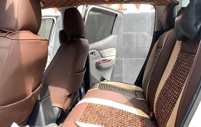 Cần bán xe Mitsubishi Triton năm 2017, màu bạc mới 95% 1 chủ giá chỉ 508 triệu đồng6