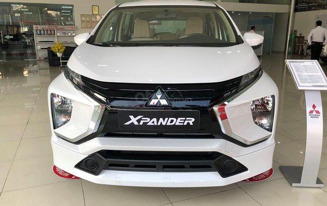 Giảm giá sốc cuối năm chiếc xe Mitsubishi Xpander MT, 7 chỗ, sản xuất 2019, màu trắng0