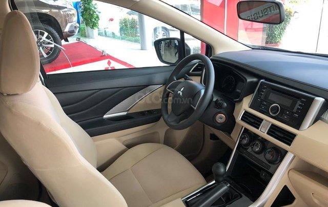 Giảm giá sốc cuối năm chiếc xe Mitsubishi Xpander MT, 7 chỗ, sản xuất 2019, màu trắng4