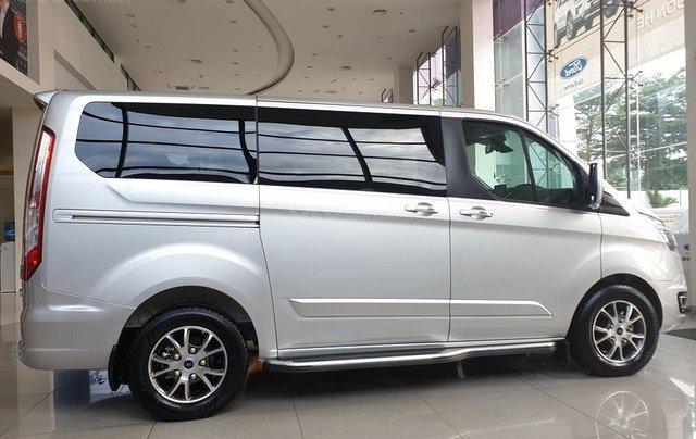 Ford Tourneo - nhân dịp cuối năm ưu đãi hơn 50 triệu - hotline: 09099676001