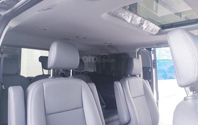 Ford Tourneo - nhân dịp cuối năm ưu đãi hơn 50 triệu - hotline: 09099676005