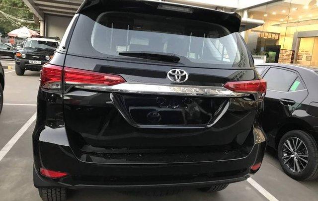Cần bán xe Toyota Fortuner 2.4MT năm sản xuất 2019, màu đen, tặng phụ kiện chính hãng9