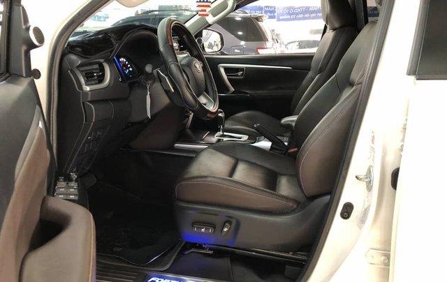 Cần bán Toyota Fortuner 2.7V năm 2019, màu trắng, xe nhập 3