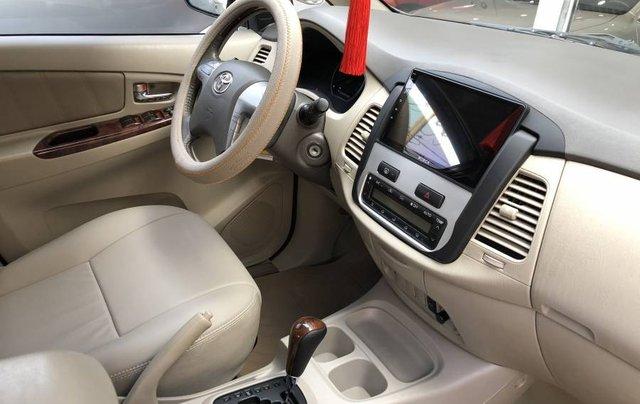 Cần bán gấp Toyota Innova 2.0V năm 2013, màu bạc như mới7