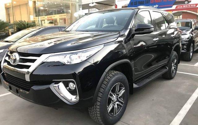 Cần bán xe Toyota Fortuner 2.4MT năm sản xuất 2019, màu đen, tặng phụ kiện chính hãng2
