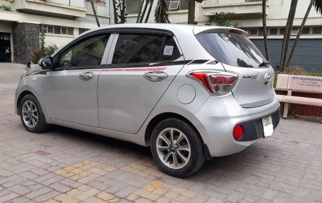 Cần bán Hyundai Grand i10 năm 2017, màu bạc, nhập khẩu 1