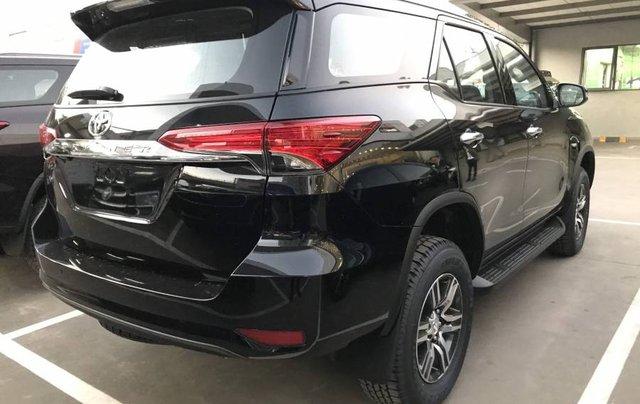 Cần bán xe Toyota Fortuner 2.4MT năm sản xuất 2019, màu đen, tặng phụ kiện chính hãng11