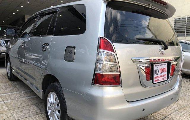 Cần bán gấp Toyota Innova 2.0V năm 2013, màu bạc như mới8
