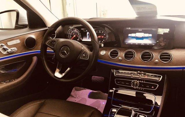 Cần bán Mercedes E200 sản xuất năm 2019, màu bạc, nhập khẩu4