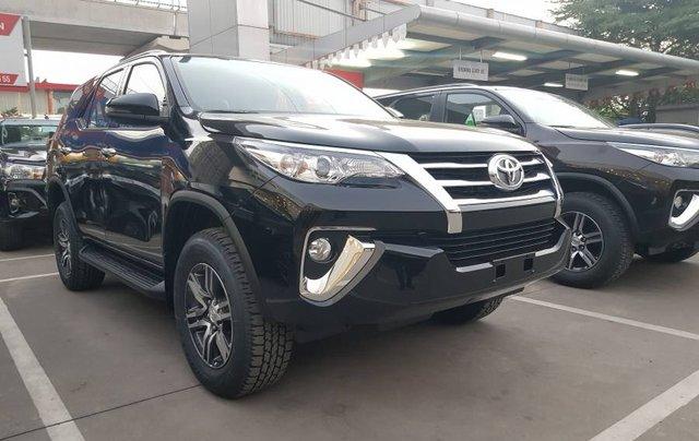 Cần bán xe Toyota Fortuner 2.4MT năm sản xuất 2019, màu đen, tặng phụ kiện chính hãng4