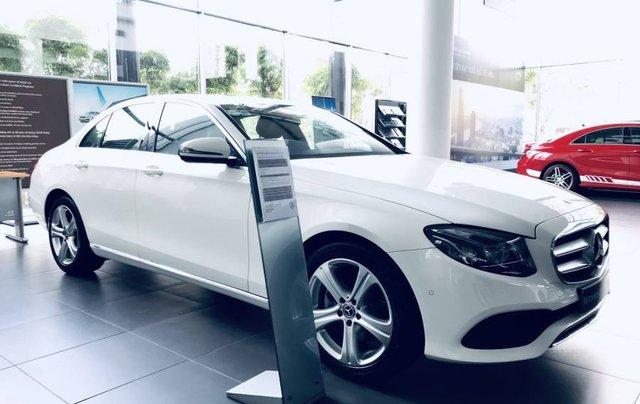 Bán Mercedes E250 sản xuất năm 2019, màu trắng, nhập khẩu 5