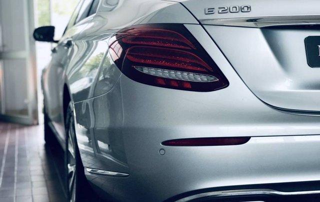 Cần bán Mercedes E200 sản xuất năm 2019, màu bạc, nhập khẩu3