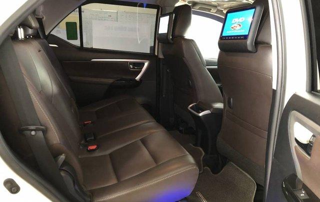 Cần bán Toyota Fortuner 2.7V năm 2019, màu trắng, xe nhập 2