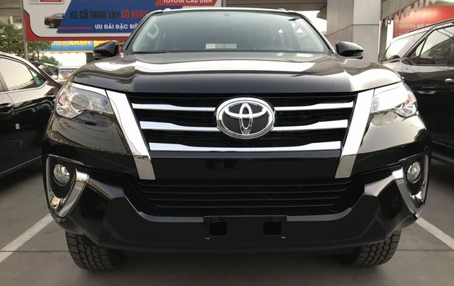 Cần bán xe Toyota Fortuner 2.4MT năm sản xuất 2019, màu đen, tặng phụ kiện chính hãng7