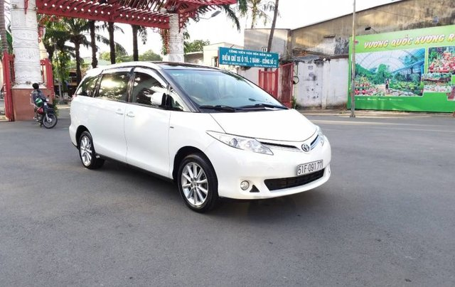 Bán Toyota Previa 2010, màu trắng, nhập khẩu  4