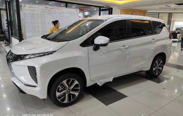 Bán Mitsubishi xpander nhập khẩu, màu trắng3
