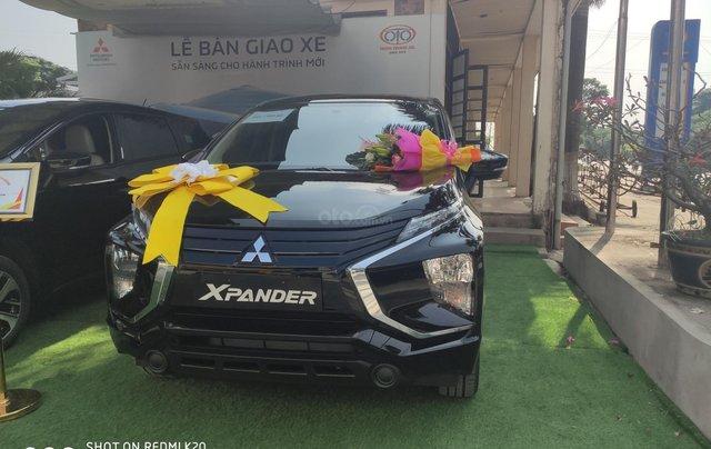 Bán xe Mitsubishi Xpander nhập khẩu, màu đen2