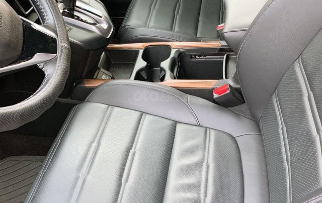 Cần bán xe Honda CR V đen như mới 20185