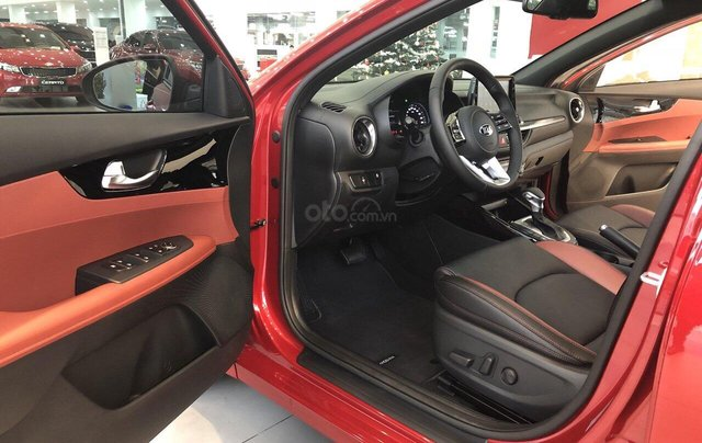 Kia Cerato Premium 2.0 AT đời mới nhất 2020, màu đỏ, phiên bản cao cấp với giá chỉ 675 triệu8