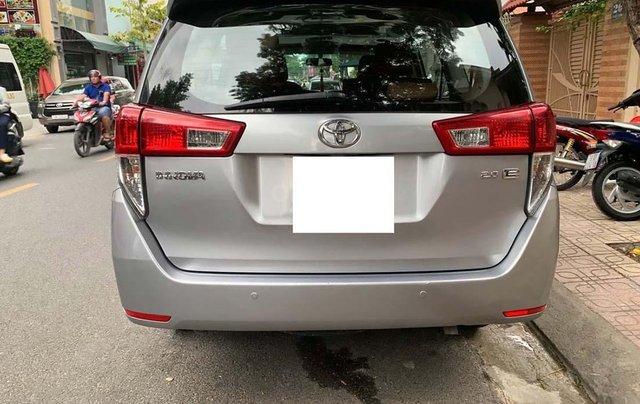 Cần bán xe Toyota Innova 2.0E 2016, màu bạc chính chủ, giá tốt4