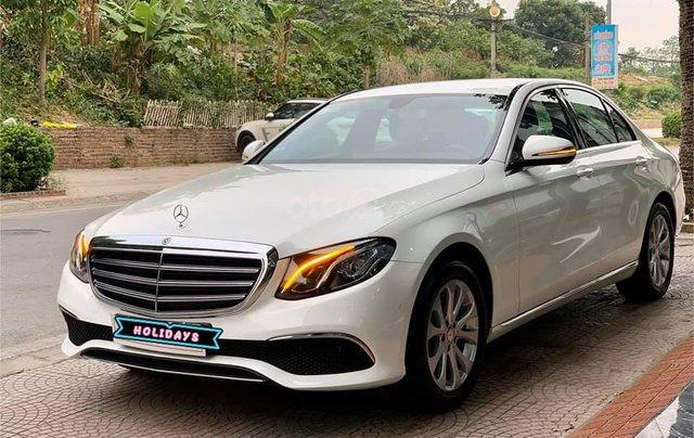 Mercedes-Benz E200 sx 2017, trắng/đen siêu hot, LH: 03877077770