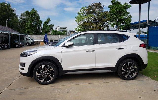 Cần bán nhanh chiếc xe Hyundai Tucson 2.0 sản xuất 2019 - Có sẵn xe - Giao nhanh toàn quốc1