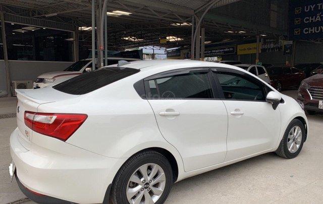 Bán ô tô Kia Rio năm 2016, màu trắng, xe nhập, số tự động, giá 438tr2