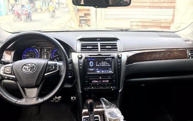 Bán Toyota Camry 2.5Q sx 2017, màu đen xe gia đình giá tốt 958 triệu đồng call 09277155553