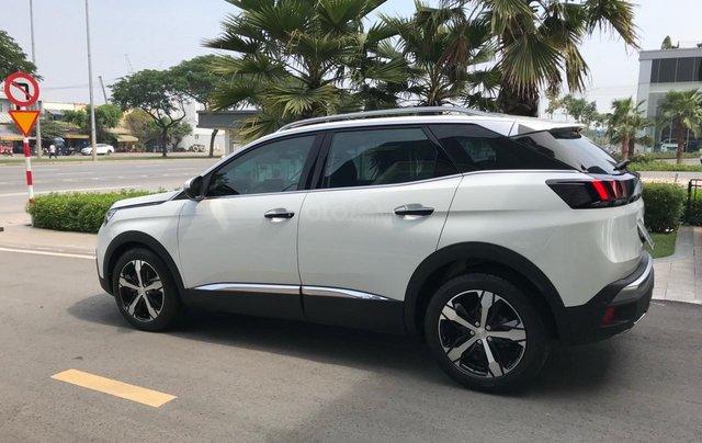 Thanh lý nhanh xe Peugeot 3008 năm 2018 mới lăn bánh1