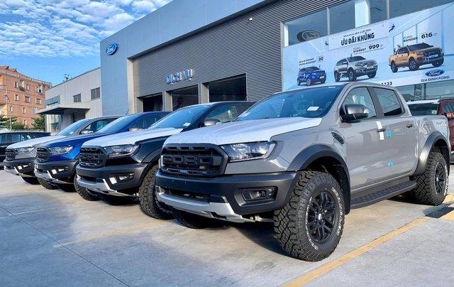 Bán nhanh chiếc xe Ford Ranger Raptor  đời 2019, màu bạc, máy dầu, số tự động0