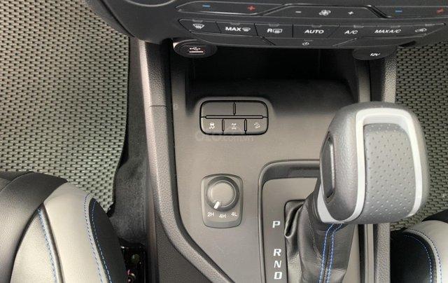 Bán nhanh chiếc xe Ford Ranger Raptor  đời 2019, màu bạc, máy dầu, số tự động4