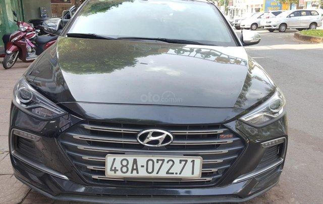 Bán Hyundai Elantra Turbo 1.6AT màu đen VIP số tự động, sản xuất 201,8 đi 32000km0