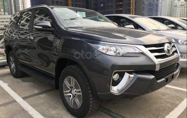 Toyota An Thành Fukushima khuyến mại cực khủng dịp cuối năm, dòng Toyota Fortuner 2.4G đời 2019, màu xám, giá tốt