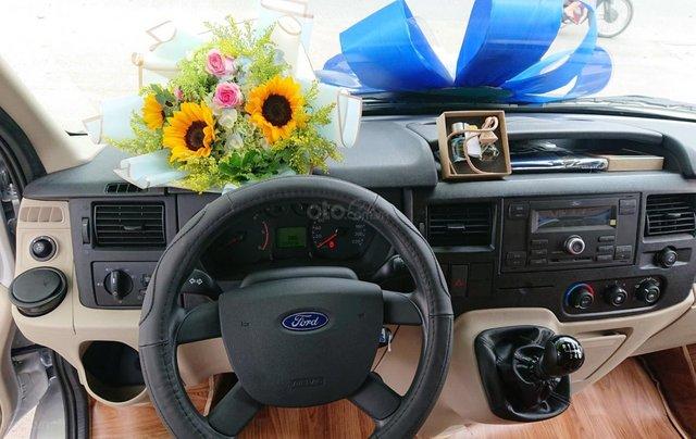 Ưu đãi quà tặng hấp dẫn khi mua xe Ford Transit đời 2019, màu bạc2