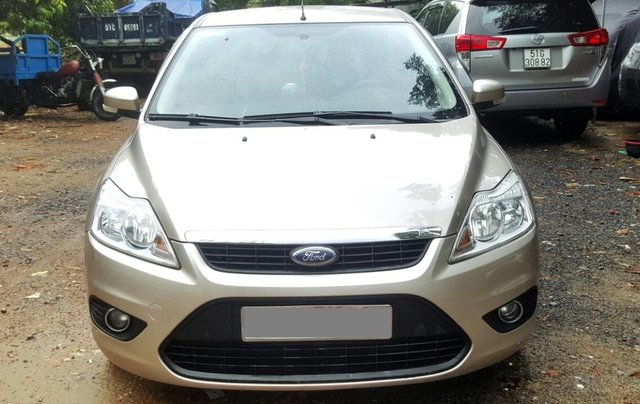 Cần bán xe Ford Focus sản xuất 2011, màu bạc, giá chỉ 365 triệu0