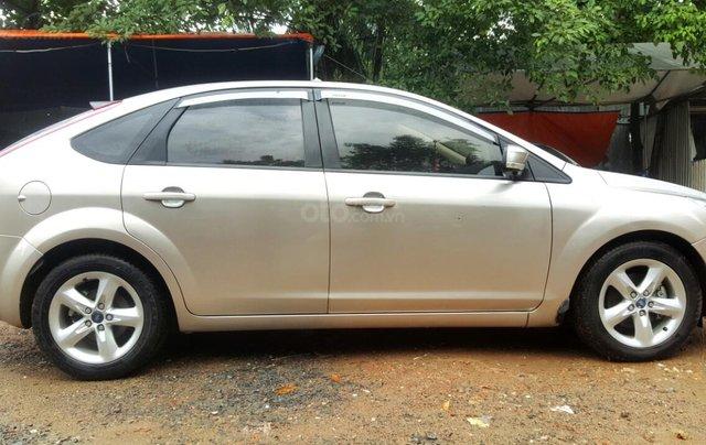 Cần bán xe Ford Focus sản xuất 2011, màu bạc, giá chỉ 365 triệu3