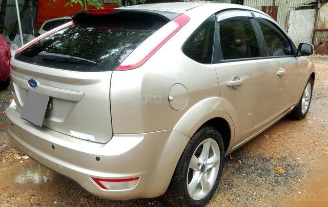Cần bán xe Ford Focus sản xuất 2011, màu bạc, giá chỉ 365 triệu4