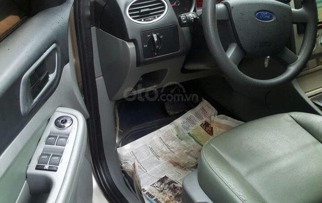 Cần bán xe Ford Focus sản xuất 2011, màu bạc, giá chỉ 365 triệu6