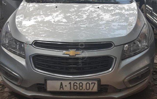 Bán ô tô Chevrolet Cruze 2017, màu bạc, giá tốt0